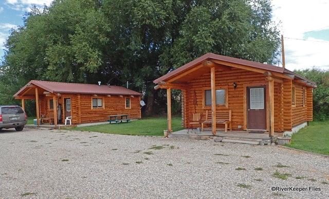 Sportsman Motel Cabins in Melrose, MT | www.johnkreft.com