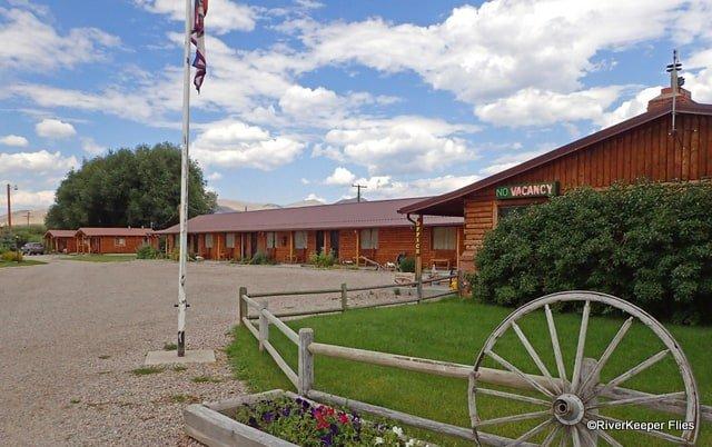 Sportsman Motel in Melrose, MT | www.johnkreft.com